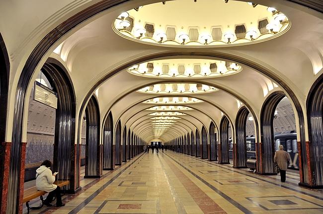 Moskovan metro - maailman kauneimmat metroasemat