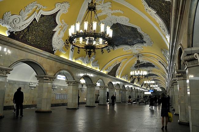 Komsomolskaya - barokkitanssit voi alkaa