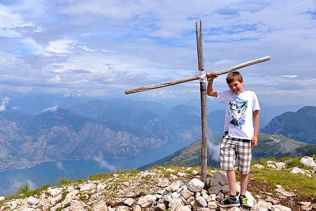 Cima Pozzettan huipulla, 2128 metriä