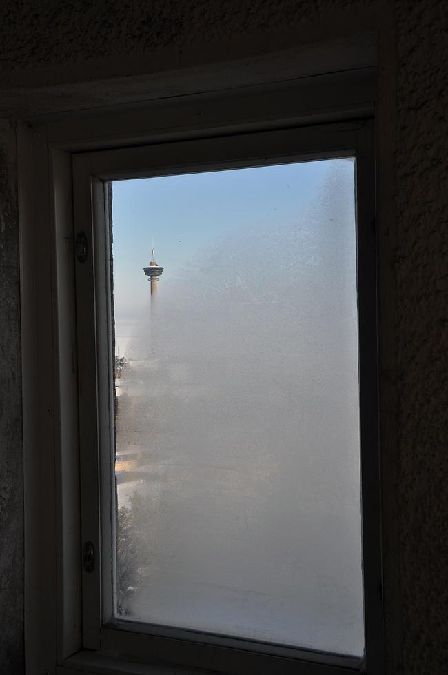Näkötornin voi valloittaa portaita pitkin tai hissillä