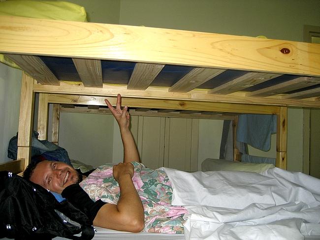 Pussilakanan sisään nukkumaan ja toivotaan parasta, pelätään pahinta.