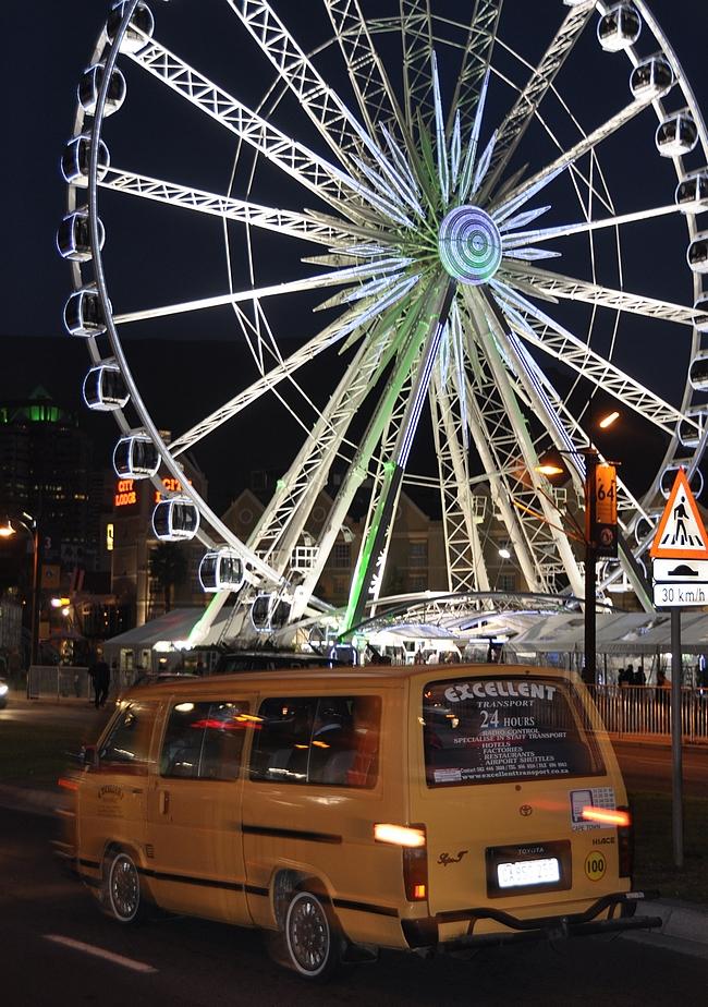 Cape Town Ferris ja yksi Afrikan miljoonista Hiaceista