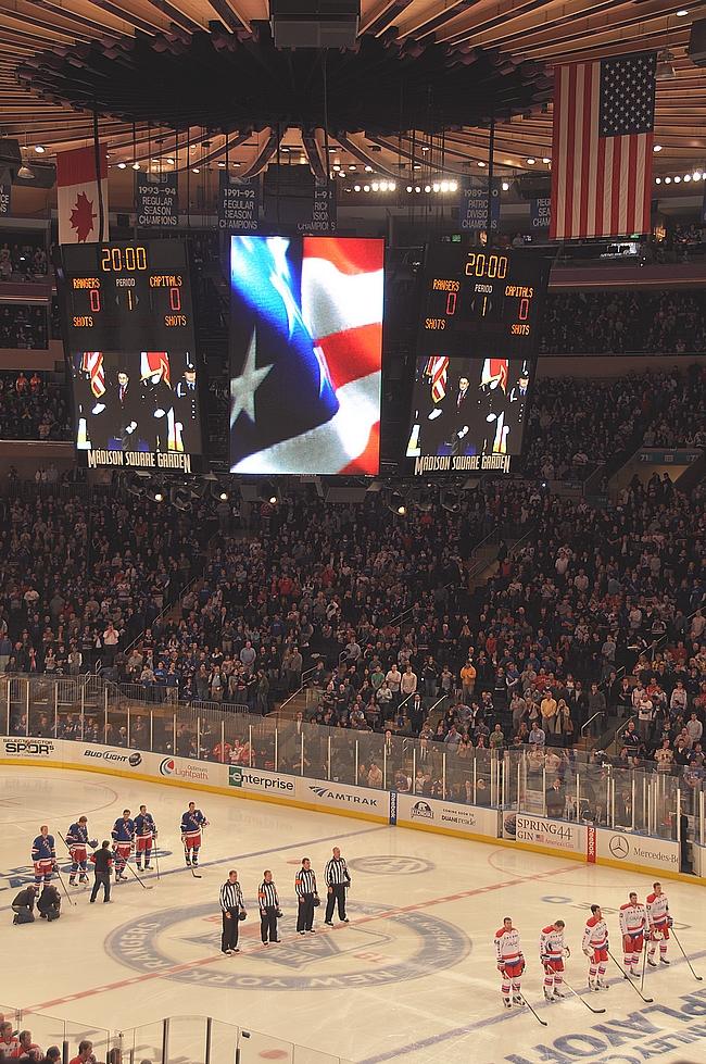 Kansallislaulut lauletaan aina ennen pelin alkua.