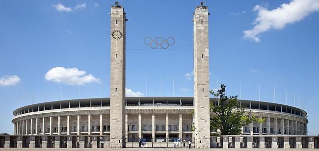 Berliinin olympiastadion ennen uudistusta vuoden 2006 jalkapallon EM-kisoihin.