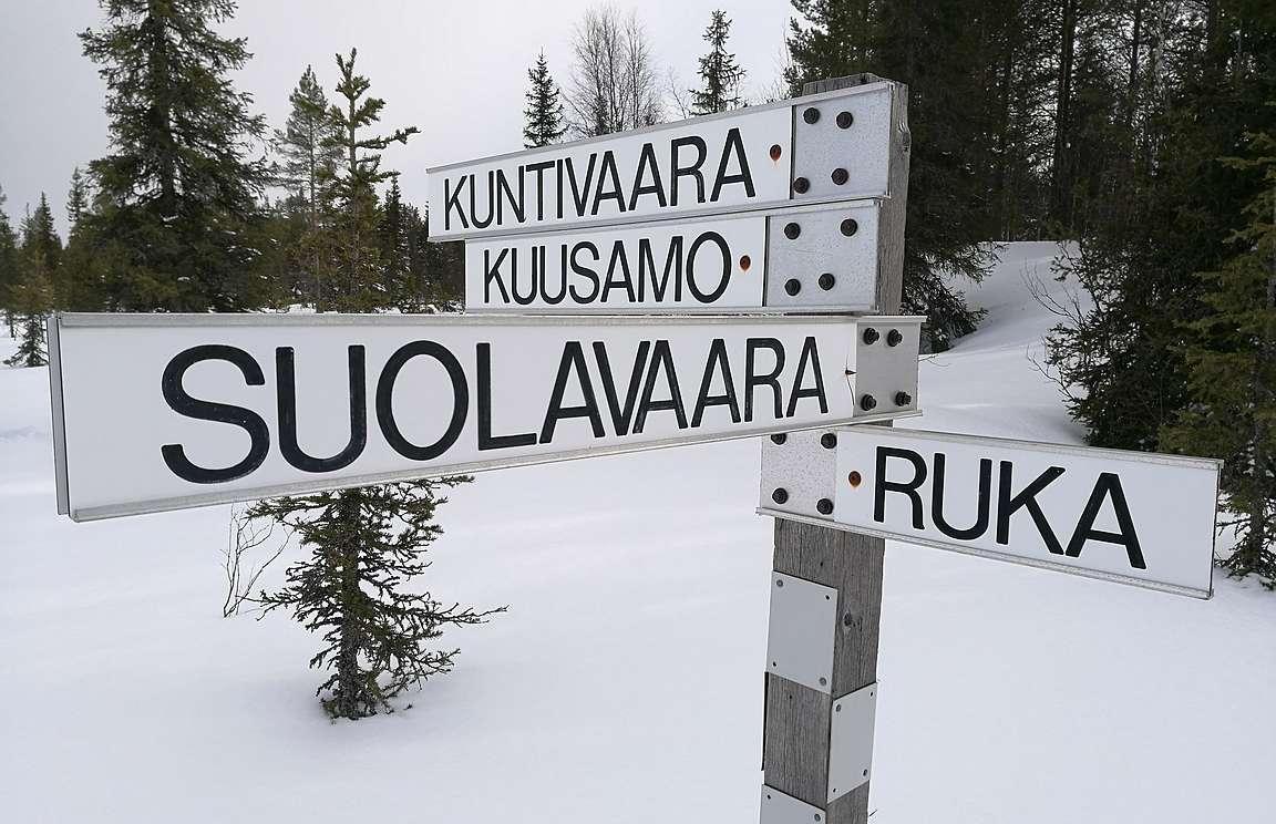 Ruka-Kuusamon alueen moottorikelkkareitit on selkeästi viitoitettu.