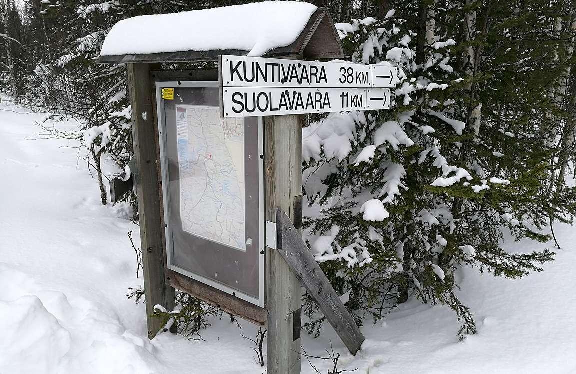 Reittien pääristeyksistä löytyy sekä selkeät reittikartat että kilometrikyltit osoittavat oikeat suunnat.