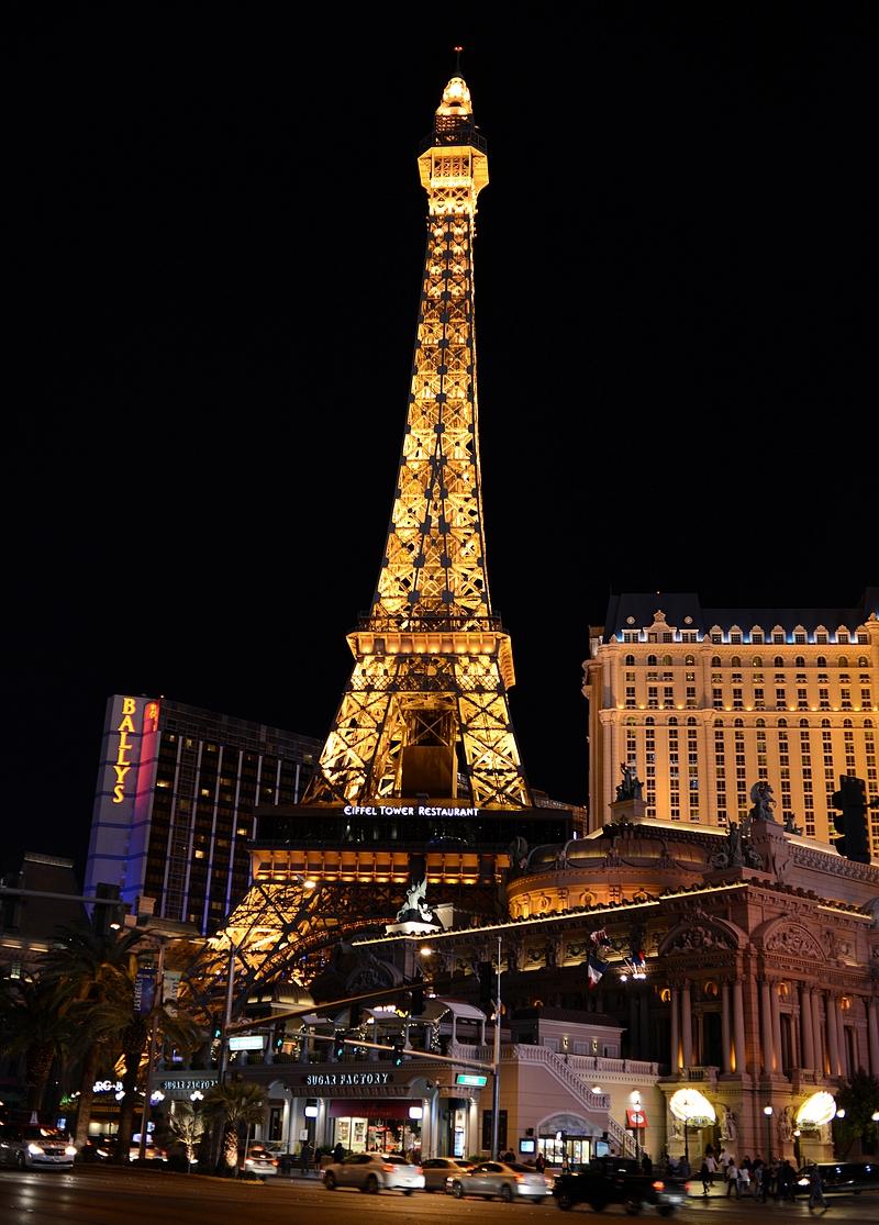 Paris hotellissa on sitten luonnollisesti Eiffel-torni.