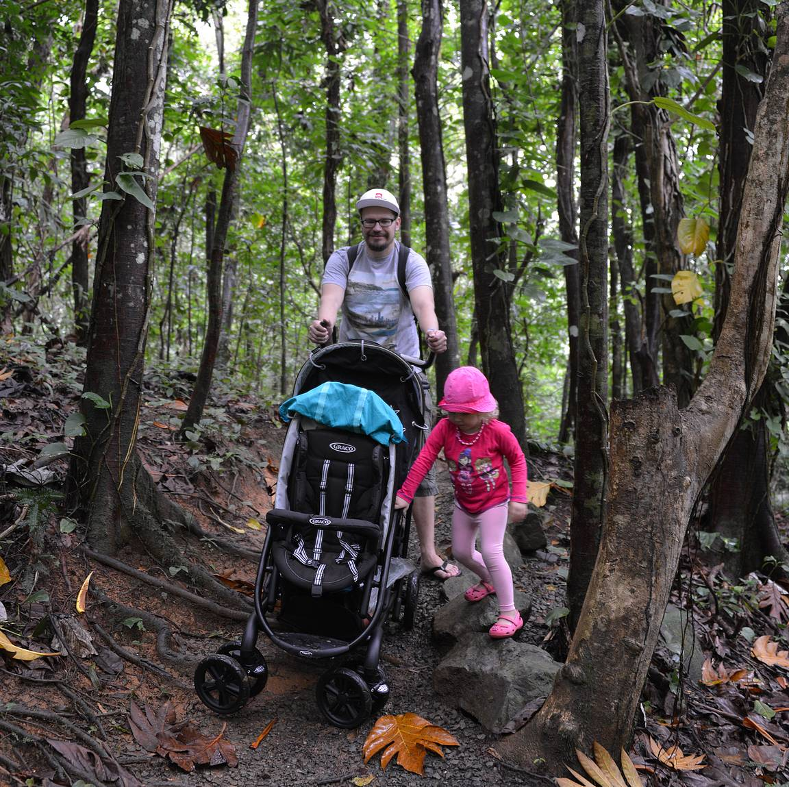 Matkarattaiden pyörät joutui todelliseen rasitukseen El Yunquen sademetsässä.