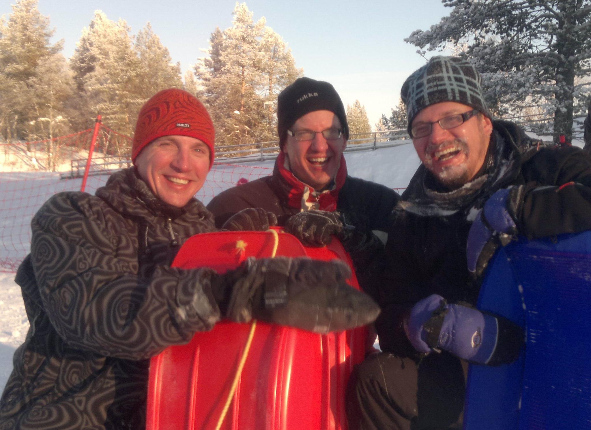 """Pulkkailua Saariselällä """"isojen poikien kanssa""""."""