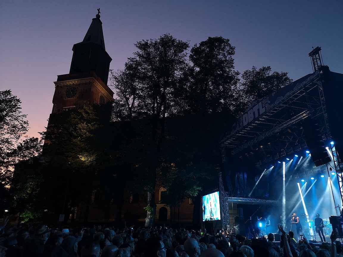 DBTL:n tapahtumapaikkana on Tuomiokirkon puisto.
