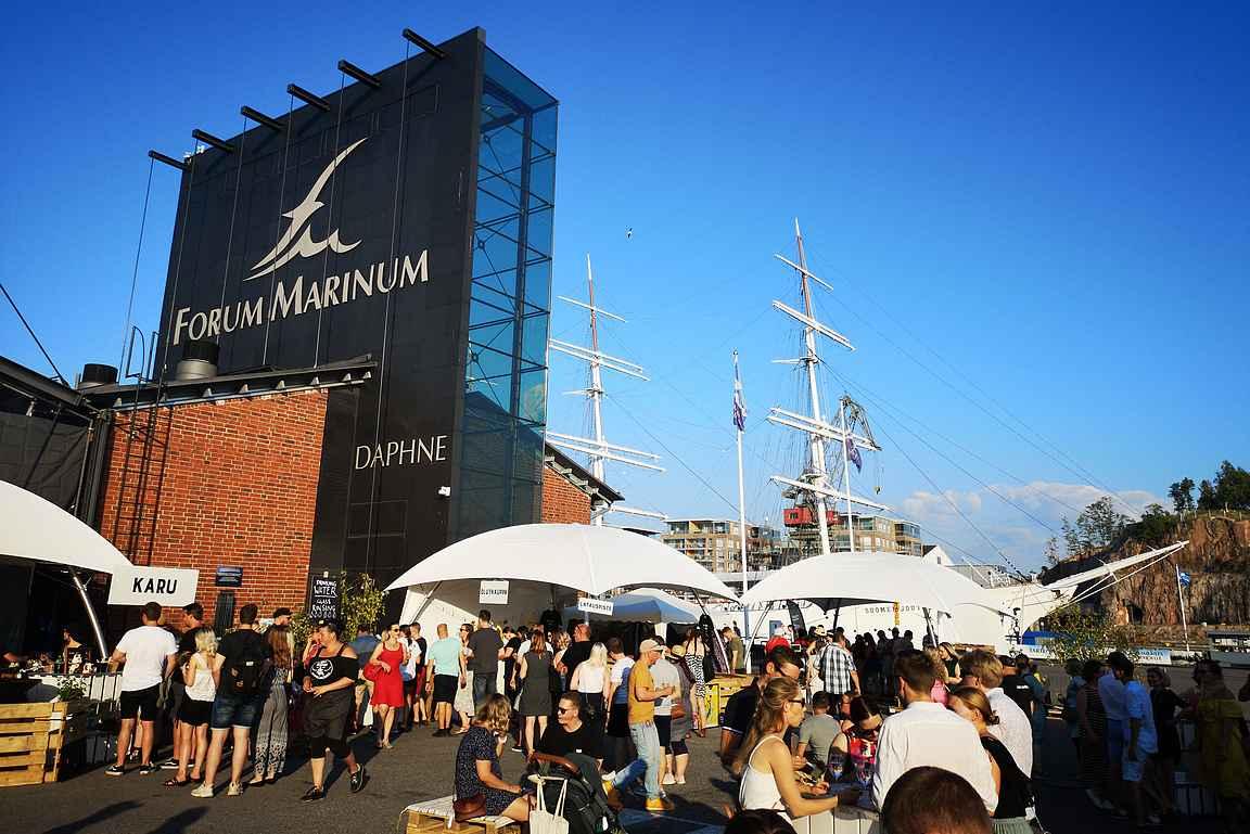Turku Food & Wine pidetään Forum Marinumin viehättävässä ympäristössä.