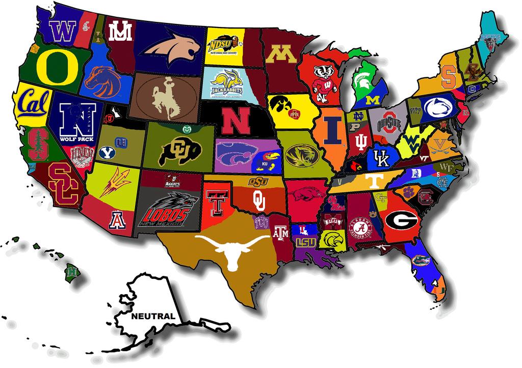 Kannattaa muistaa, että yliopistosarjat tarjoavat myös erinomaisia pelejä. Niissä usein tunnelma on vielä parempi kuin ammattilaissarjojen otteluissa. Kuvassa Collage football teams (copyright NotreDameIrish)