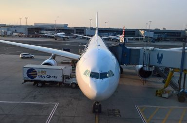 Mannertenväliset lennot lasten kanssa