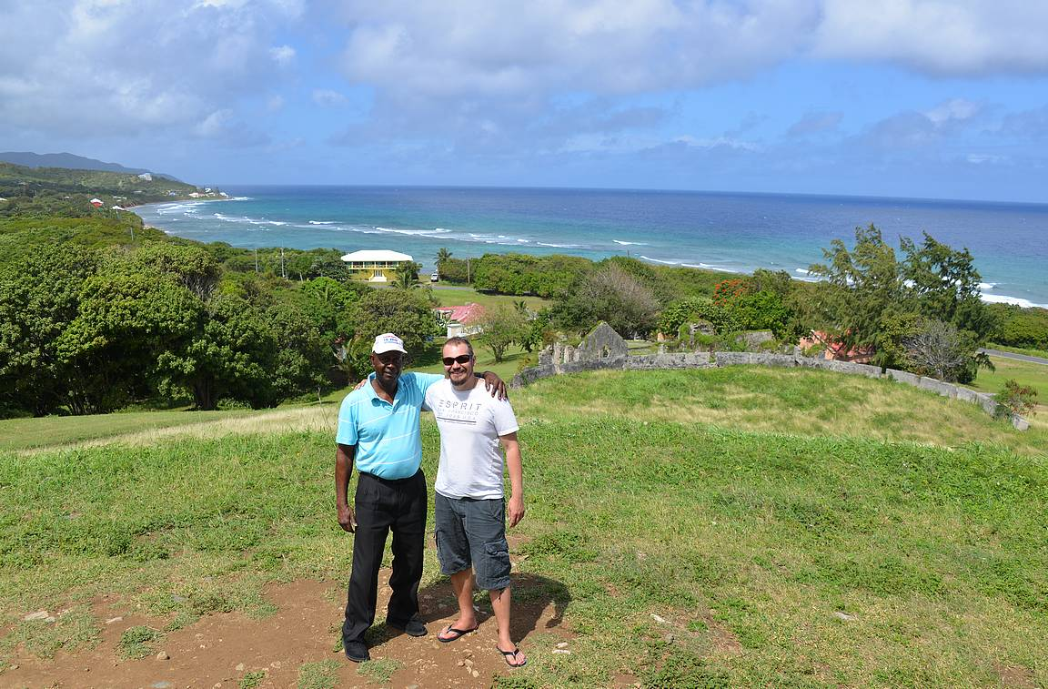 Kiertoajelun isäntänä toiminut Ames Josephia (Ames Taxi and Tours) voi suositella hyvillä mielin St. Croixin vierailujen kiertoajeluihin.