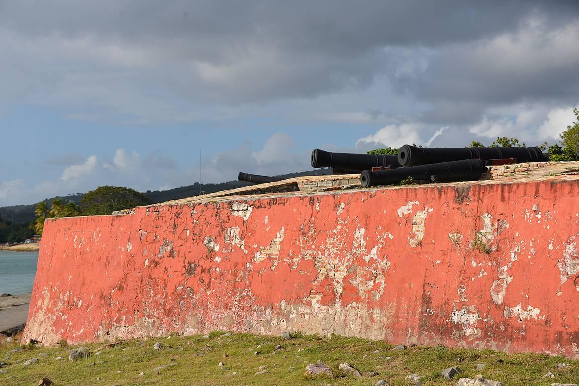 Frederikstedin edustalla on vanha tanskalainen linnoitus - Fort Frederik.