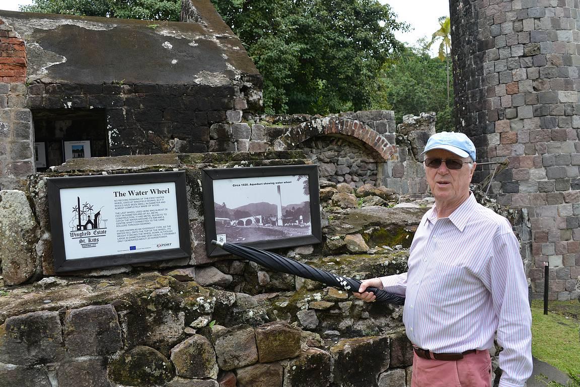 Wingfield Estaten omistaja Maurice Widdowson johdatti sokeriviljelyn saloihin.