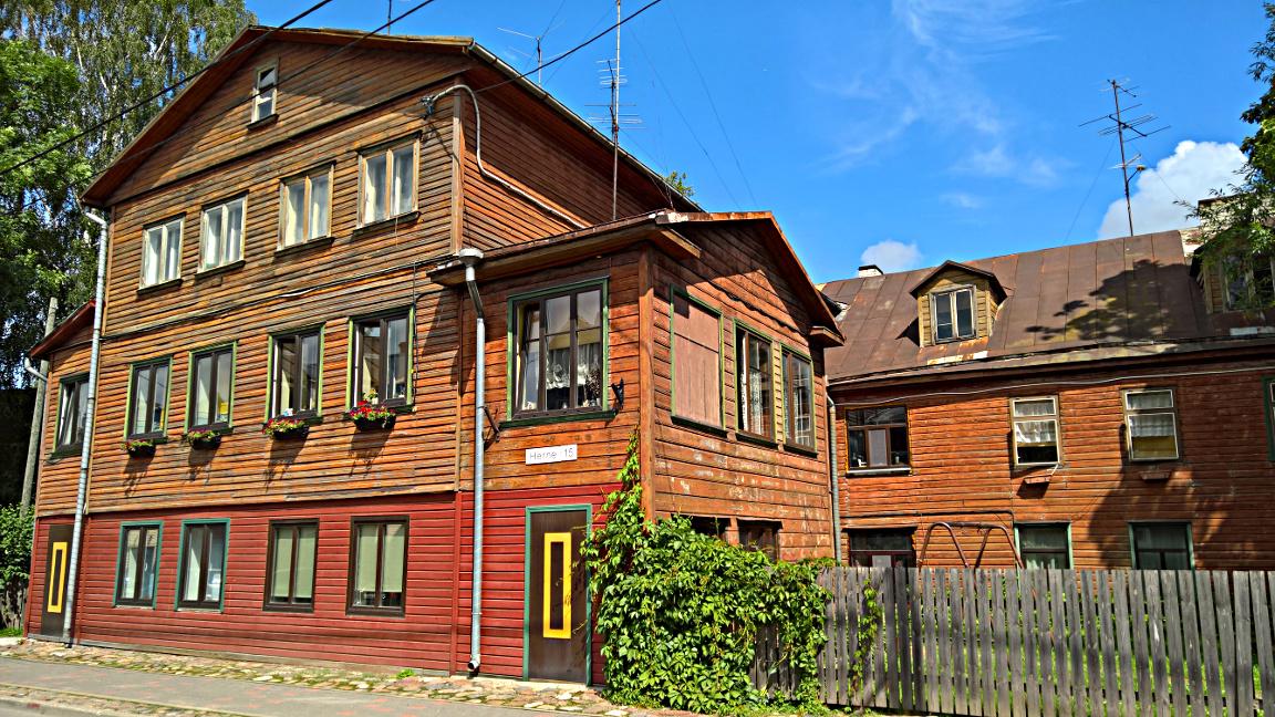 Supilinn on Tarton vanhaa värikästä puutaloaluetta.