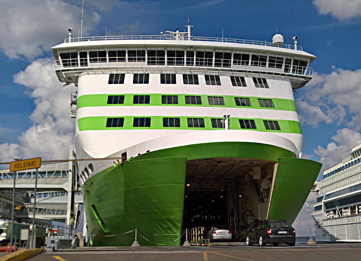 M/S Star liikennöi kahdessa tunnissa Helsingin ja Tallinnan välin.