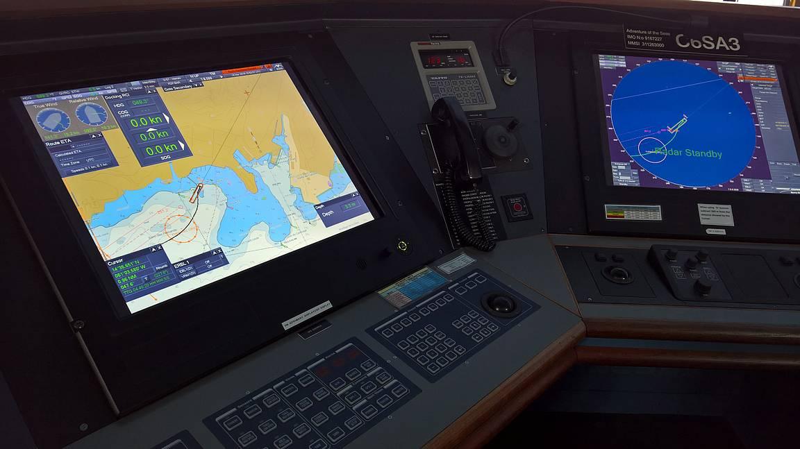 Erinäköisiä monitoreja on paljon, mm. merikartoille.