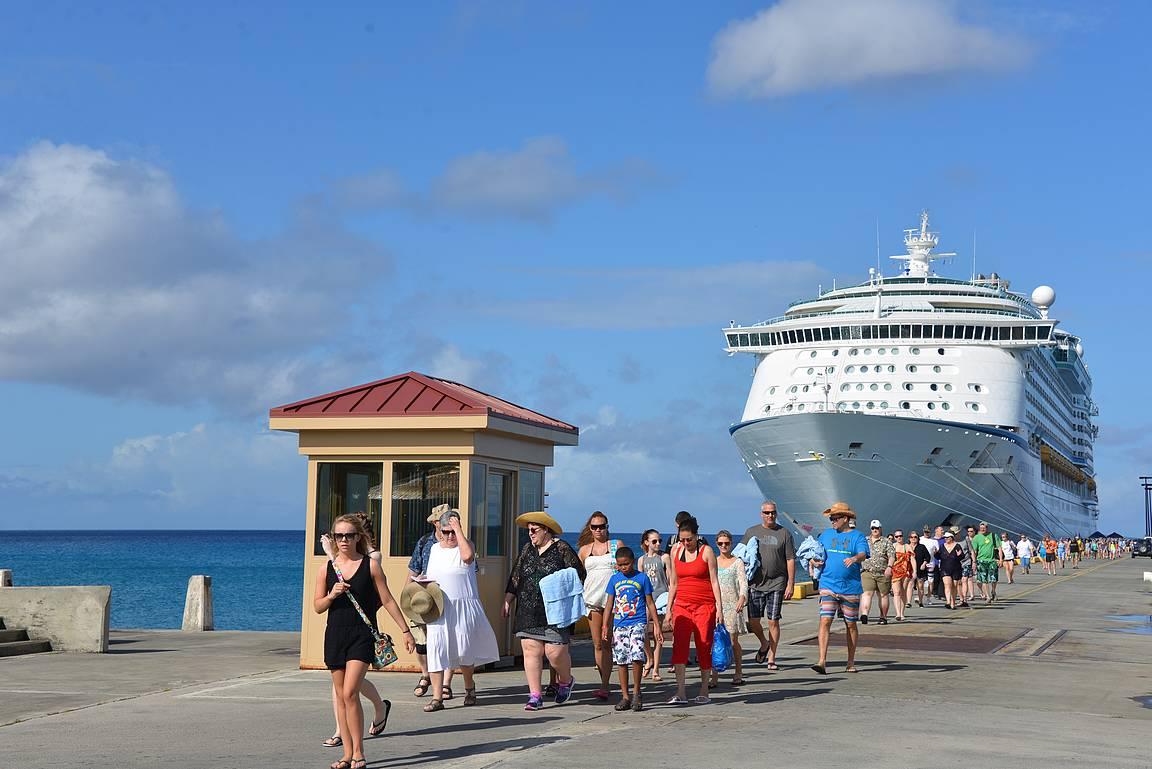 St. Croixilla pystyi laivasta kävelemään suoraan Frederikstedin kaupunkiin.