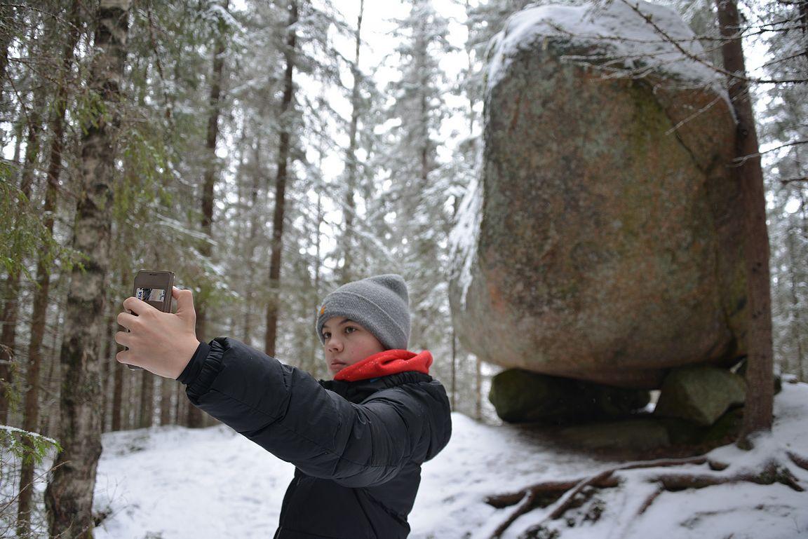 100000 vuotta sitten ei jättiläiset ottaneet selfieitä.