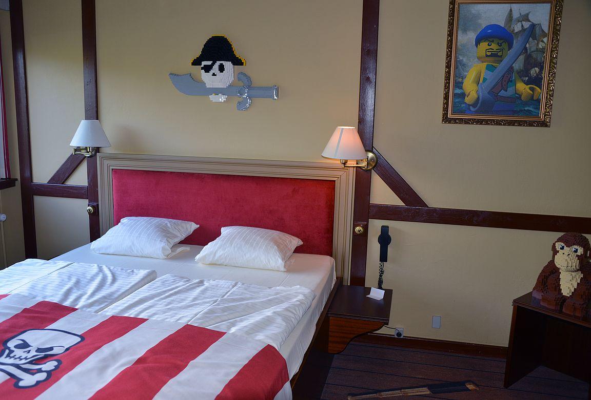 Bloggaajamatkalla nukuin tyttäreni kanssa merirosvohuoneessa.