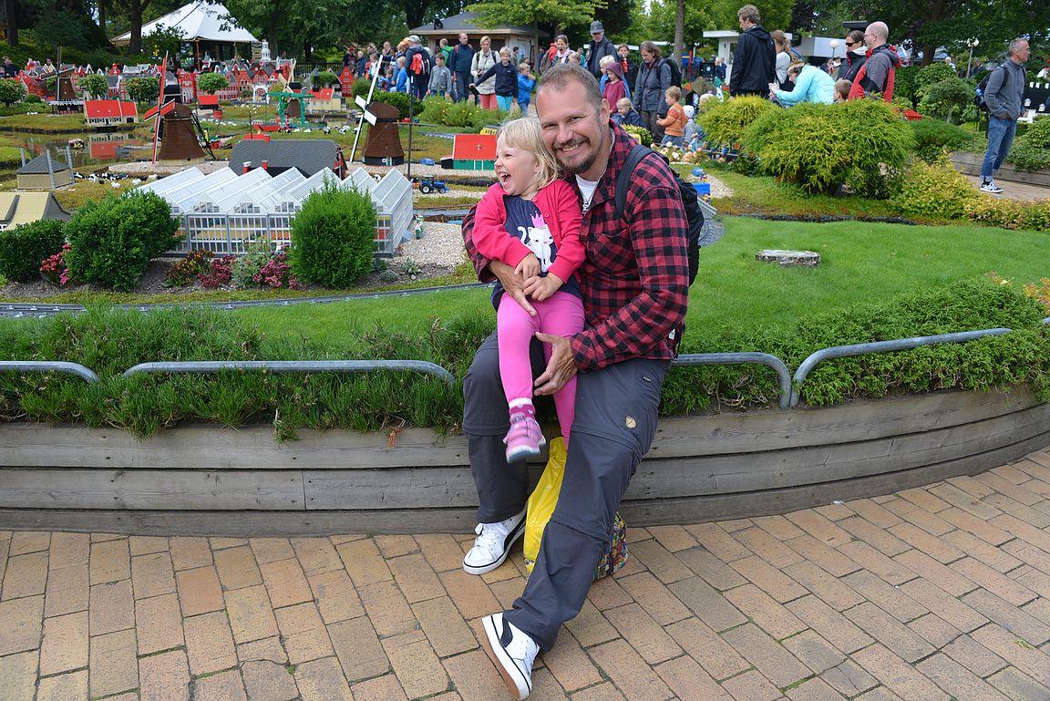 Emman kanssa oltiin kesällä kahdestaan Legolandissa.