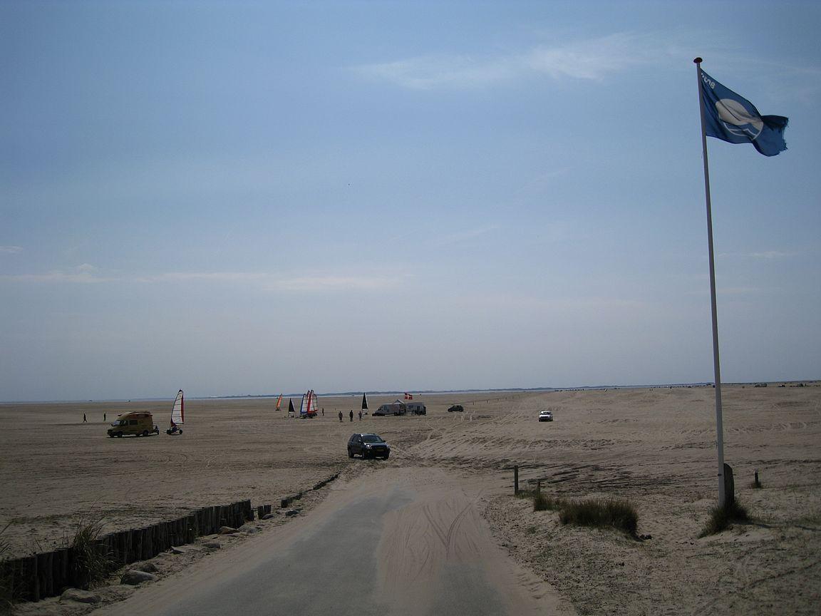 Rømøn dyyneille ajetaan satoja metrejä hiekalla ja perillä odottaa upea ranta.