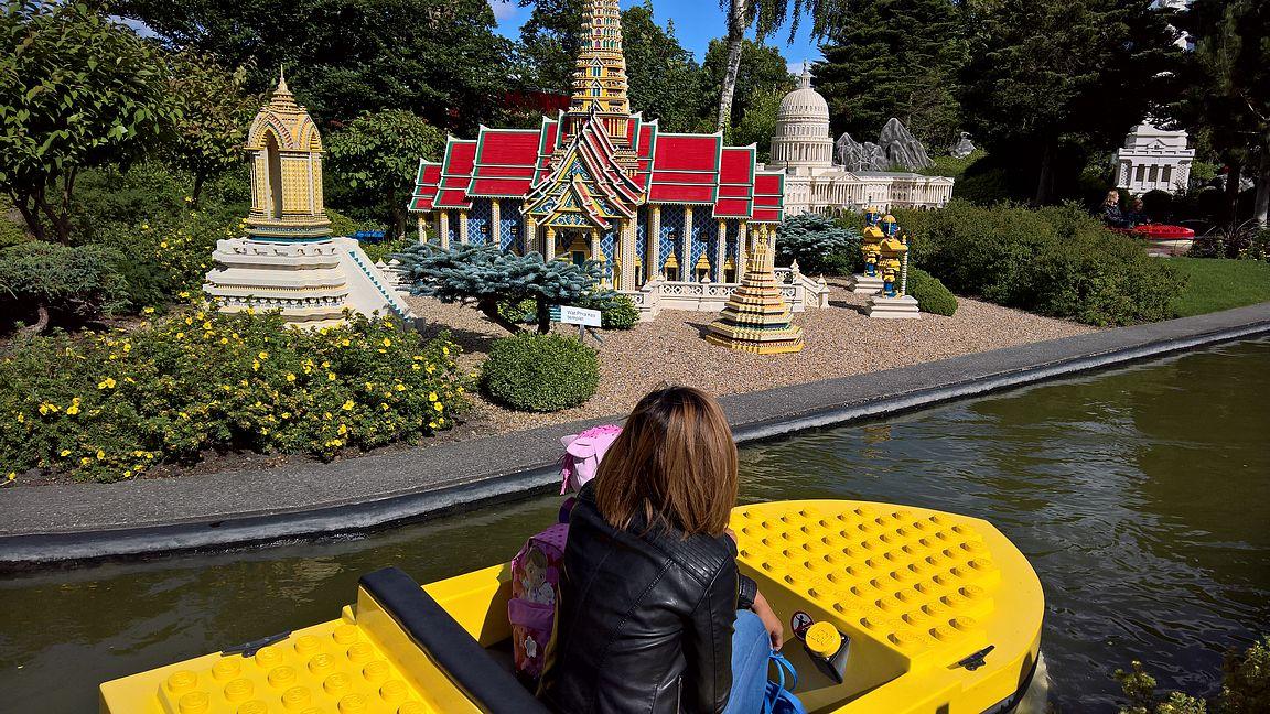 Minimaassa olevassa Miniveneet (Mini boats) tarjoaa vielä lisää upeita rakennuksia ja maamerkkejä.