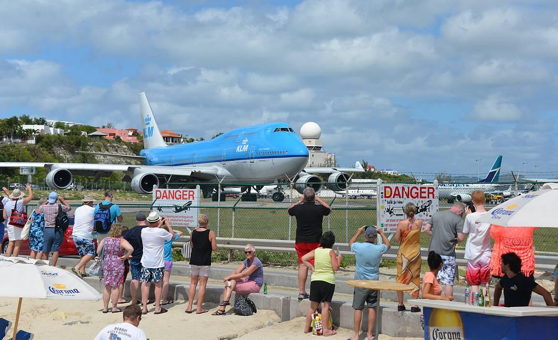 KLM:n ja Air Francen isojen koneiden lähdöt ovat päivän päätapahtumia siinä missä niiden laskutkin.