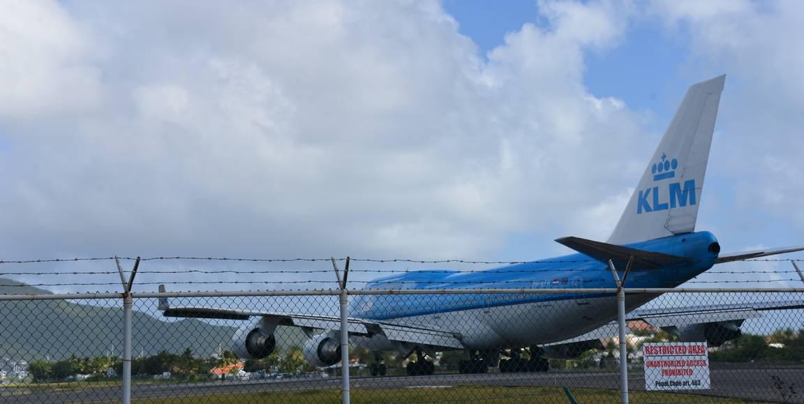 747 lähtö oli hyvä katsastaa hieman sivummalta.