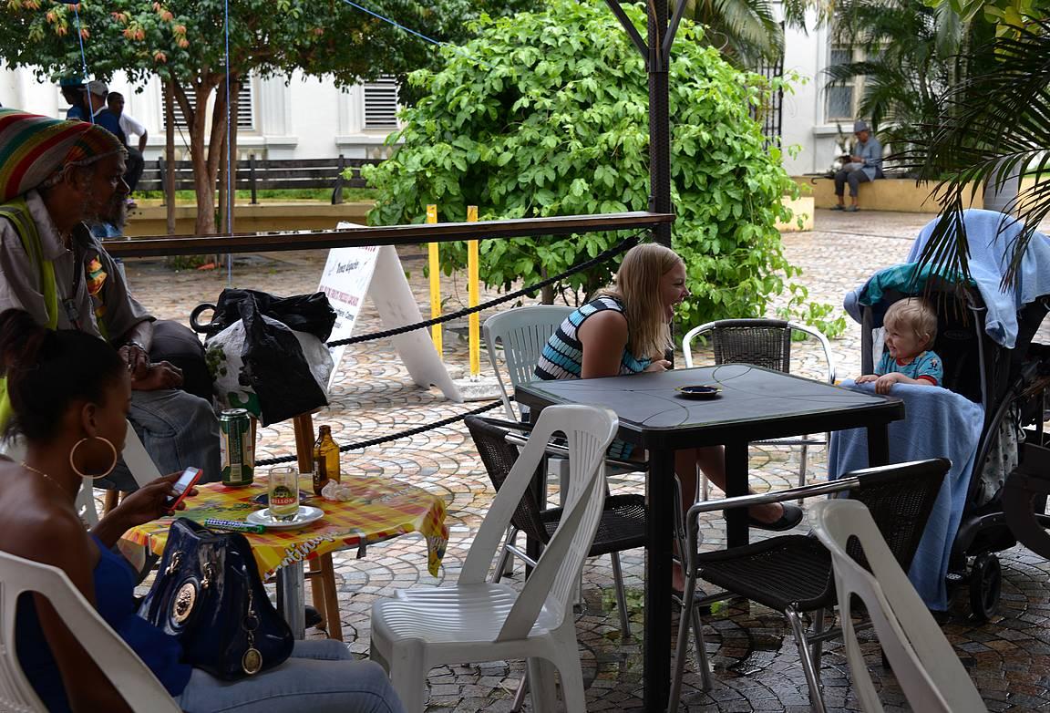 Sade taukosi mukavasti ja oli juomatauon paikka.