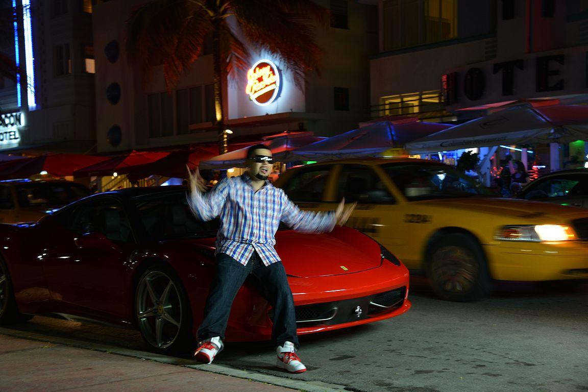 Ocean Drivella riittää tapahtumaa vuorokauden ympäri - tässä kuvataan musiikkivideota.