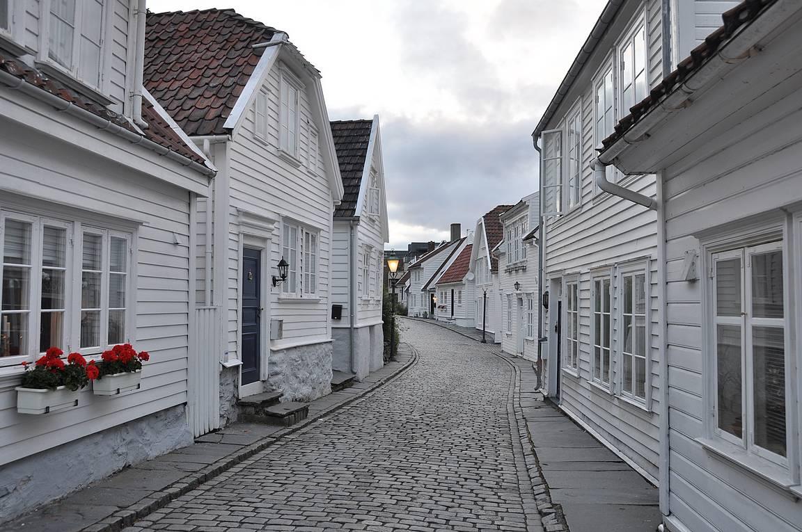 Gamla Stavangerin viehettäviä kujia.