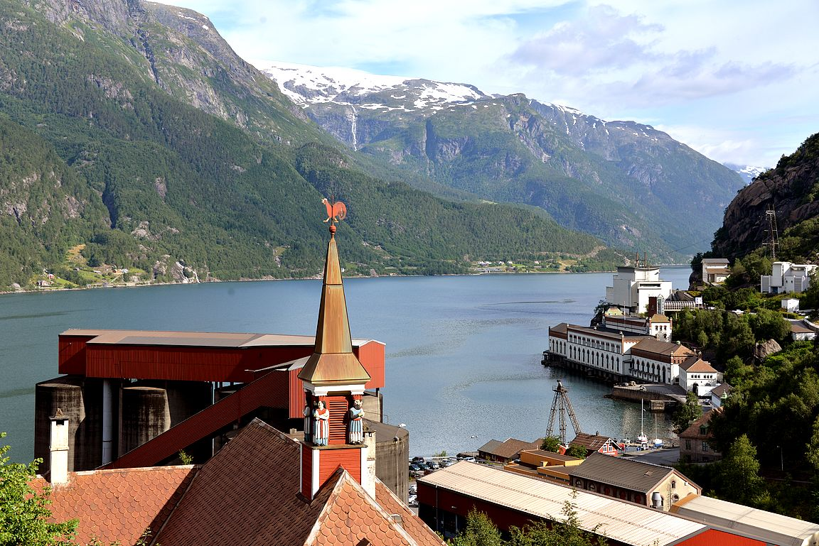Norjan energiamuseo näkyi mukavasti hotellihuoneemme ikkunasta.