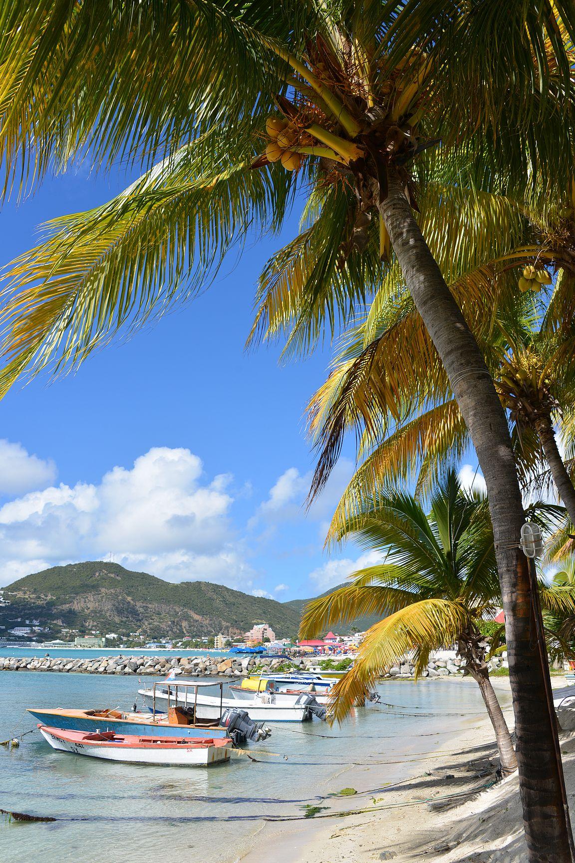 Philipsburg St. Maarten - ikuistettuna myös kotona olohuoneessa.