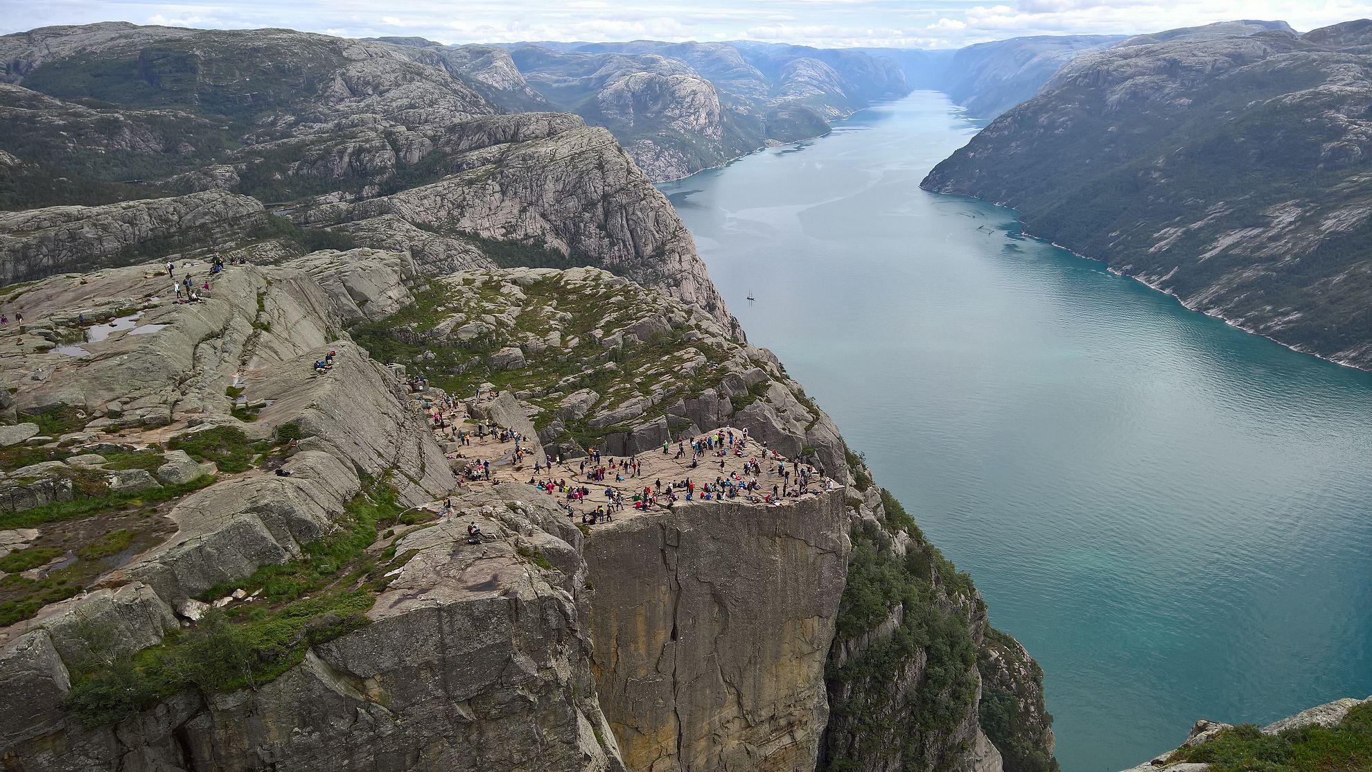 Preikestolen - Norjan suosituin luontonähtävyys.