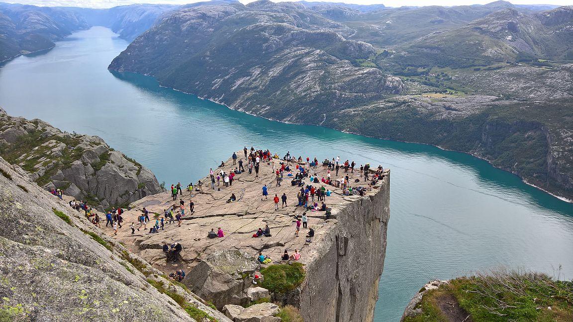 Preikestolen ja Lysebotn-vuono on Norjan kuvatuimpia kohteita eikä ihme!