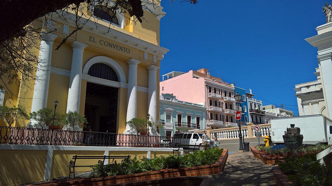 Gran Hotel El Convento -hotelli on keskellä vanhaakaupunkia.