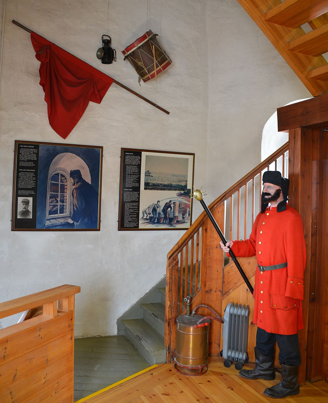 Pieni museo on tornin ensimmäisessä kerroksessa.