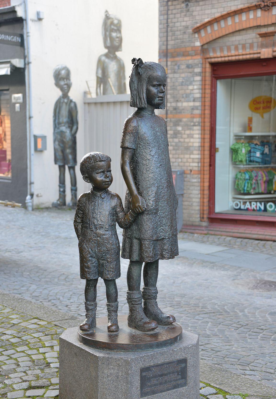 Patsaat ja seinämaalaukset ovat läsnä koko ajan Stavangerissa. Tässäpä ehkä jopa kaupungin paras yhdistelmä.