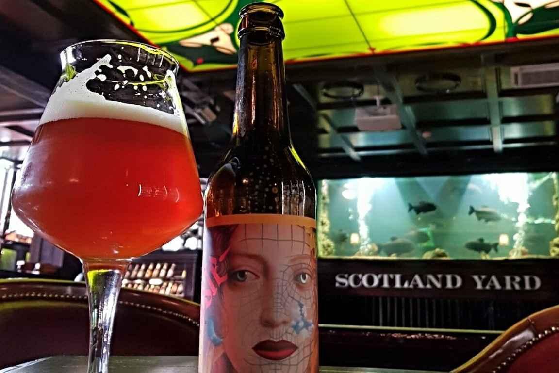 Scotland Yard Pub tarjoilee laadukkaita oluita ja visuaalisesti miellyttävän miljöön.