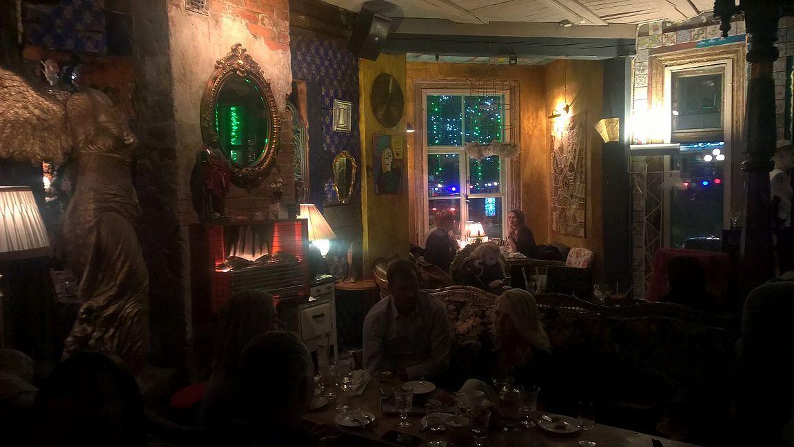 Manna La Roosa on erinomainen illanviettopaikka.