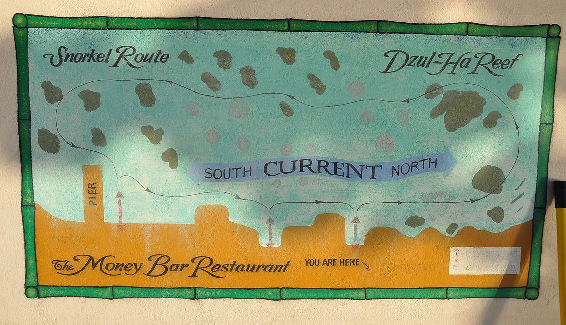 The Money Bar Restaurant ja edessä olevan riutan snorklausreitti.