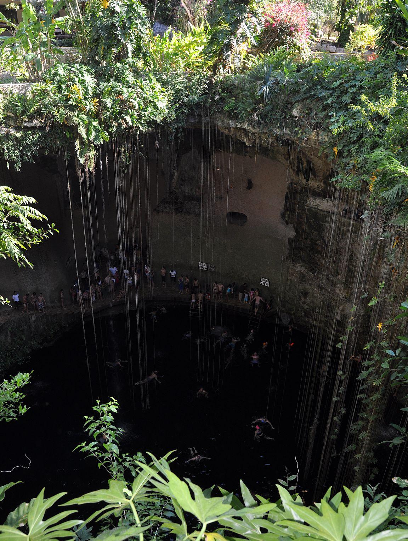 Il-Kil cenote sijaitsee lähellä Chichén Itzaa ja on suosittu kohde valmisretkillä.