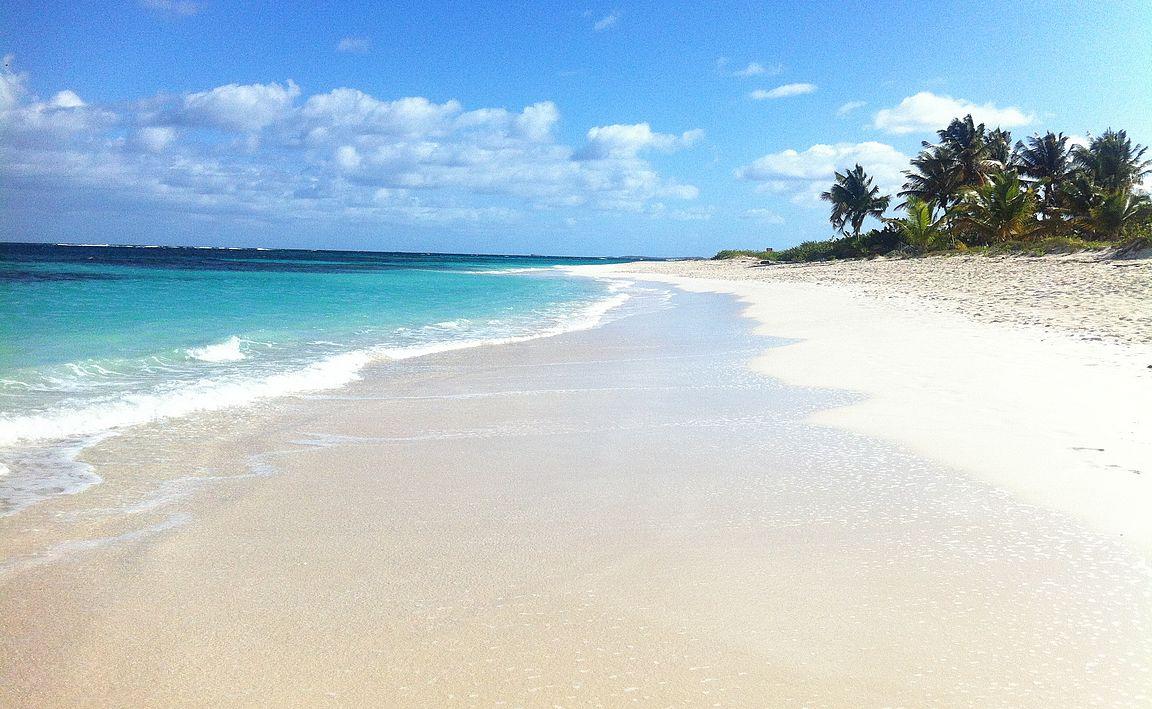 Anguilla on kuuluisa valkohiekkaisista rannoistaan.