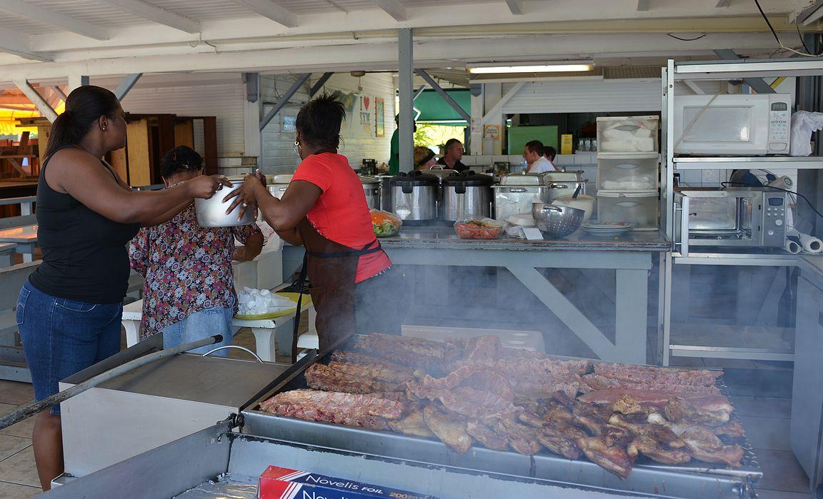Lolo -ravintoloissa saa kunnon kreolilaista perinneruokaa.