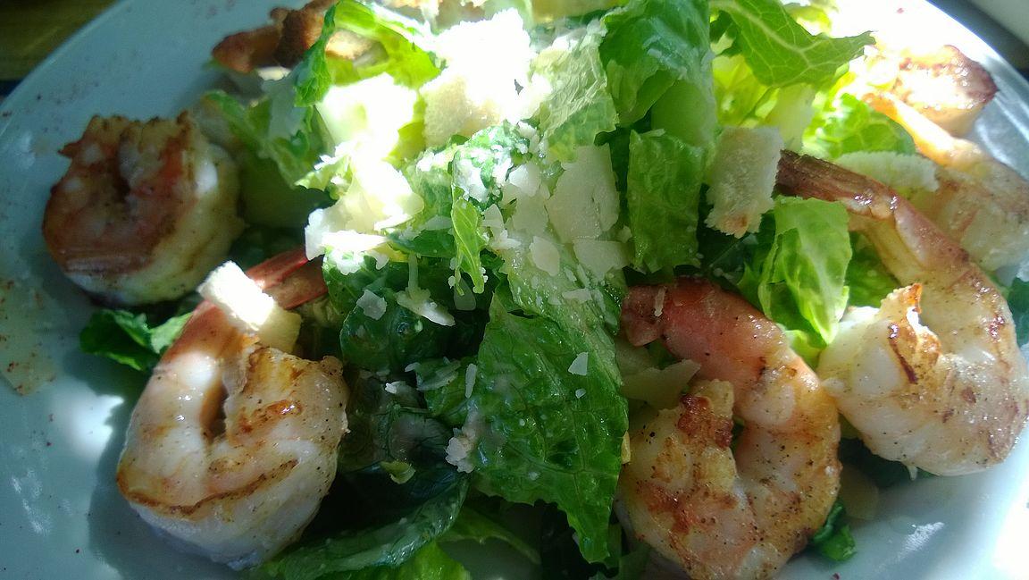 St. Bartisilla ranskalainen keittiö takaa laadukkaat ruuat rannallakin.