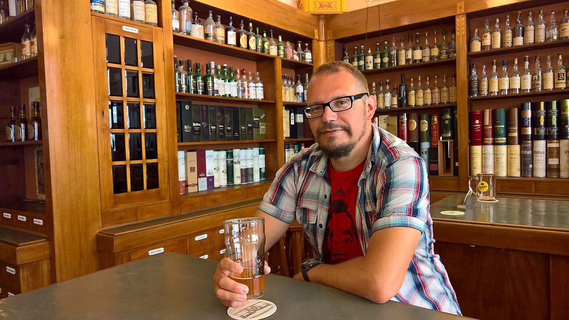 """Uudessa Apteekissa ei näkynyt tälläkään kertaa Jussi Varesta, mutta """"alustava flunssa"""" lähti..."""
