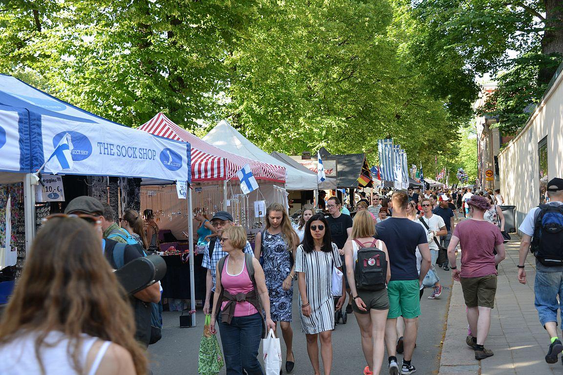 Kansainväliset ruokamarkkinat värittivät katukuvaa tänäkin kesänä.